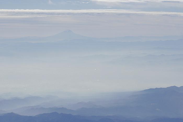 Вид на гору Фудзи из самолёта