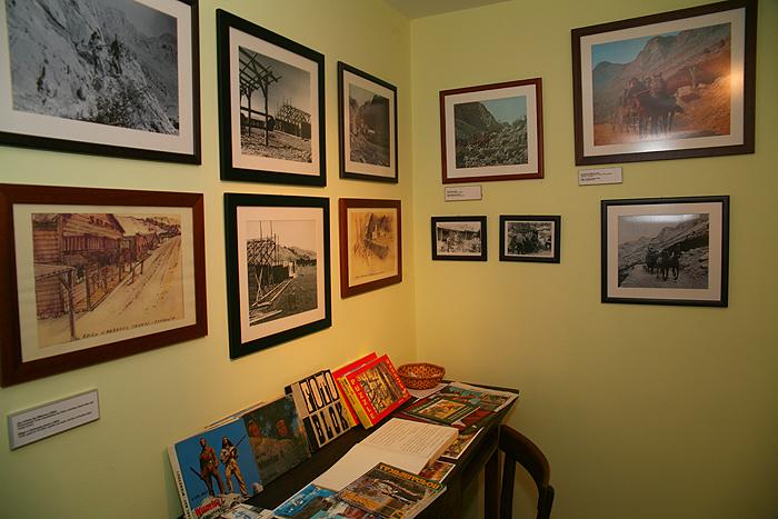 Фотоматериалы и книги