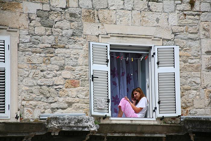 Жилой дом в древней стене дворца Диоклетиана