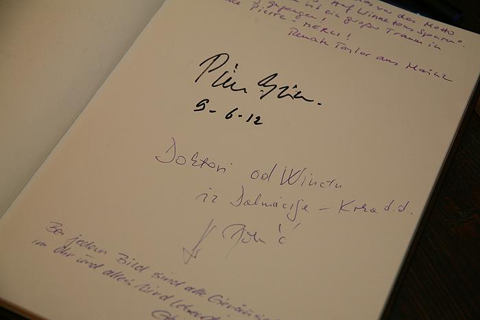 Автограф Пьера Бриса в книге отзывов - 2012