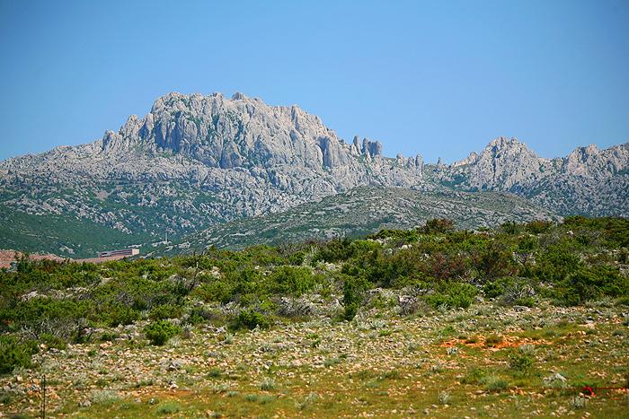 Вид на Мали Алан с пуэбло-плато