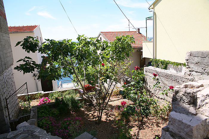 Терраса с внутренним двориком