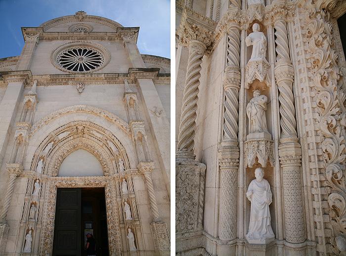 Готический портал с изображением святых на соборе Св. Иакова