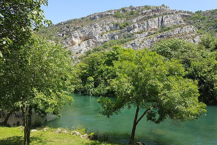 Места съемок близ водопада Рошки