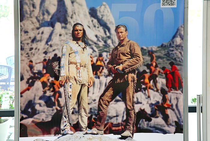 Юбилейный плакат: Виннету и Олд Шеттерхенд на Туловой Гряде