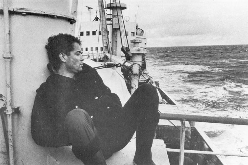 Кадр из фильма Les trois couronnes du matelot