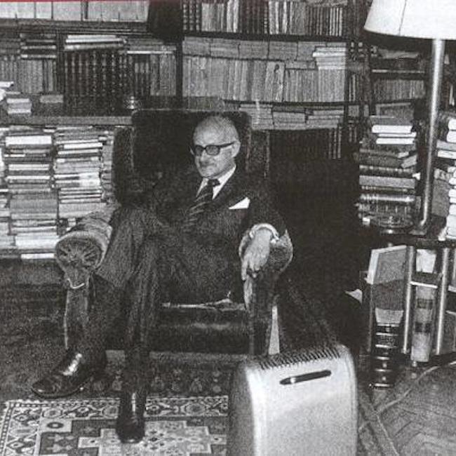 Николас Гомес Давила