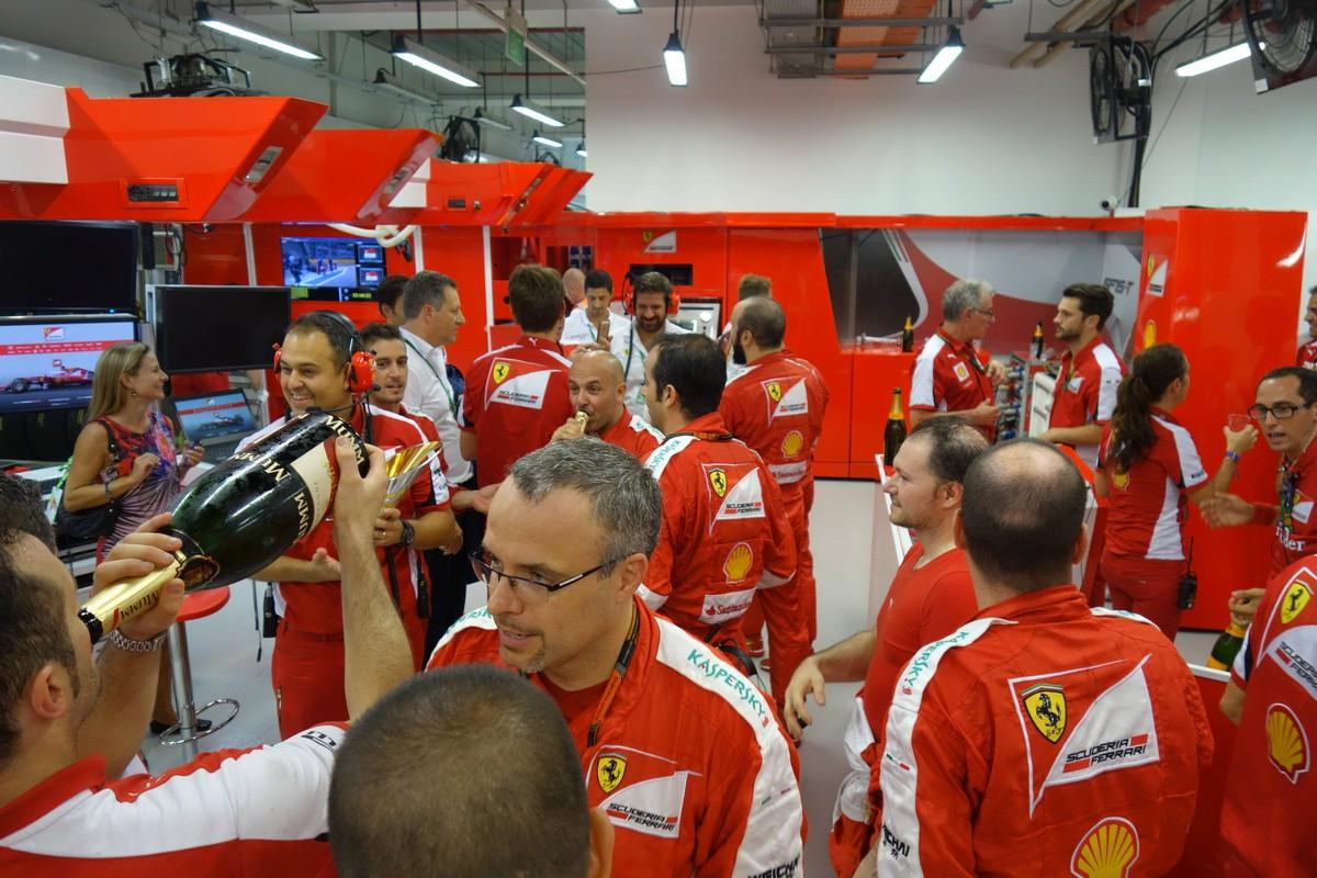 formula1-singapore-2015-31