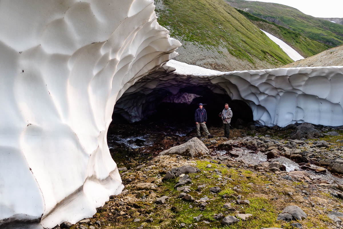 kamchatka-snow-tunnels-16