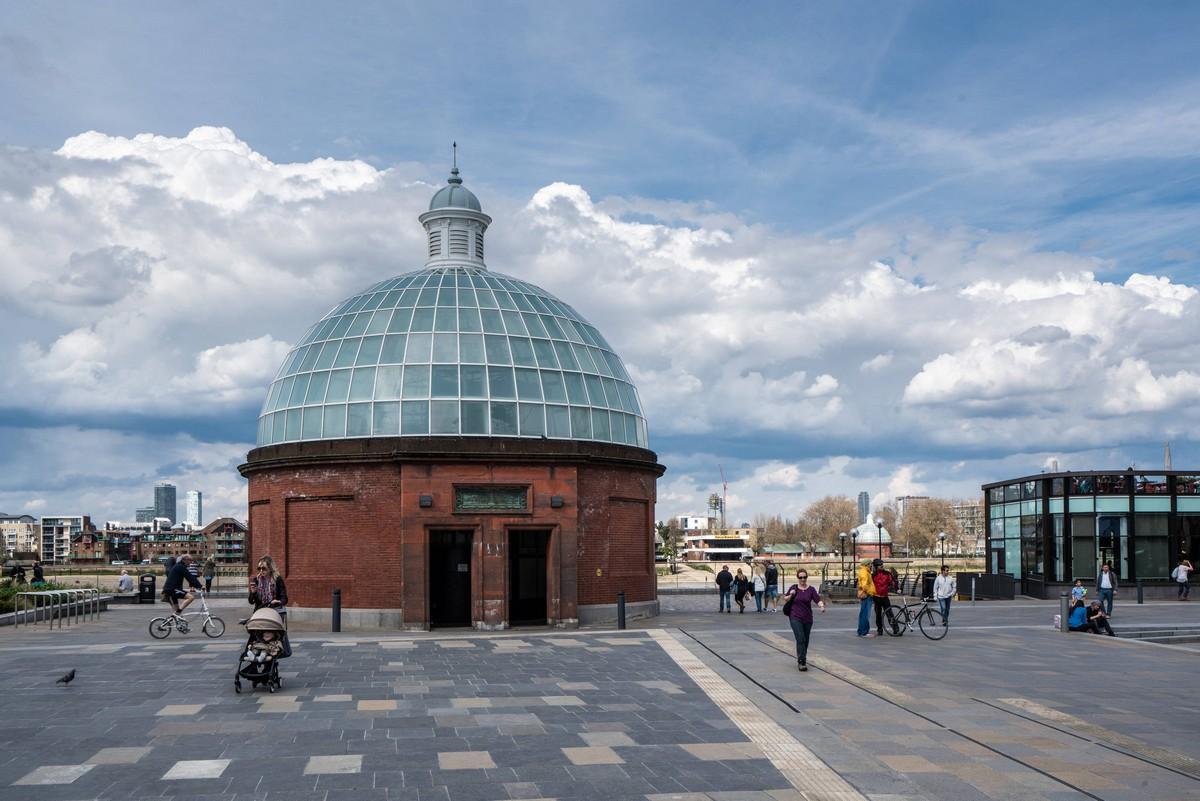 london-uk-thames-path-2