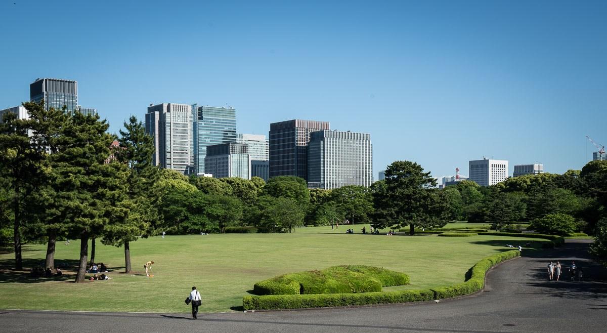 tokyo-japan-emperor-palace-may-2016-5