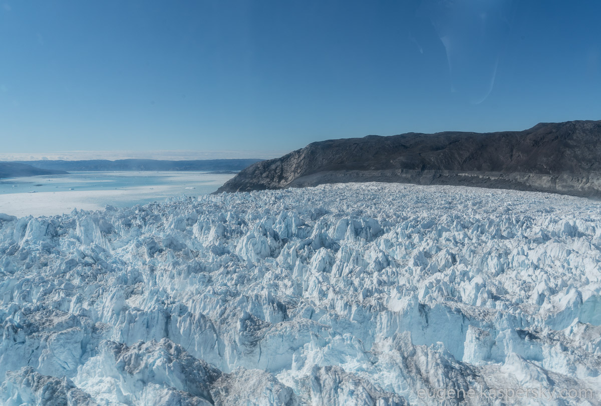 greenland-icebergs-glaciers-32
