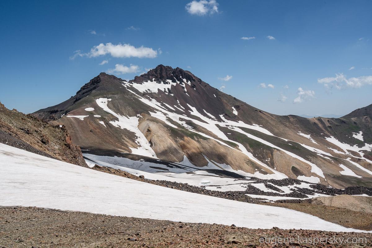 armenia-aragats-volcano-7