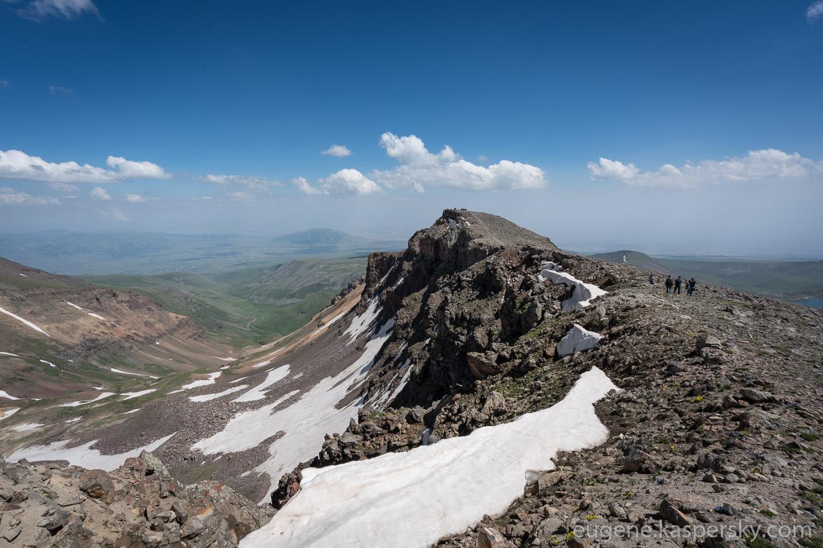 armenia-aragats-volcano-16