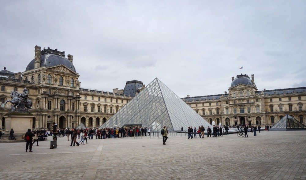france-paris-louvre1