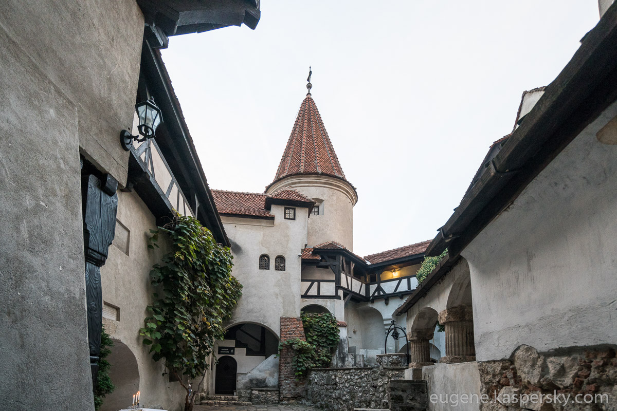 drakula-romania-transilvania-castles-5