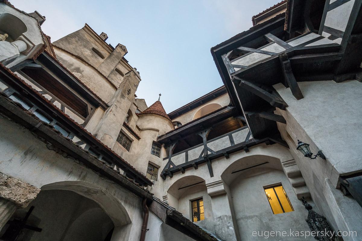 drakula-romania-transilvania-castles-6