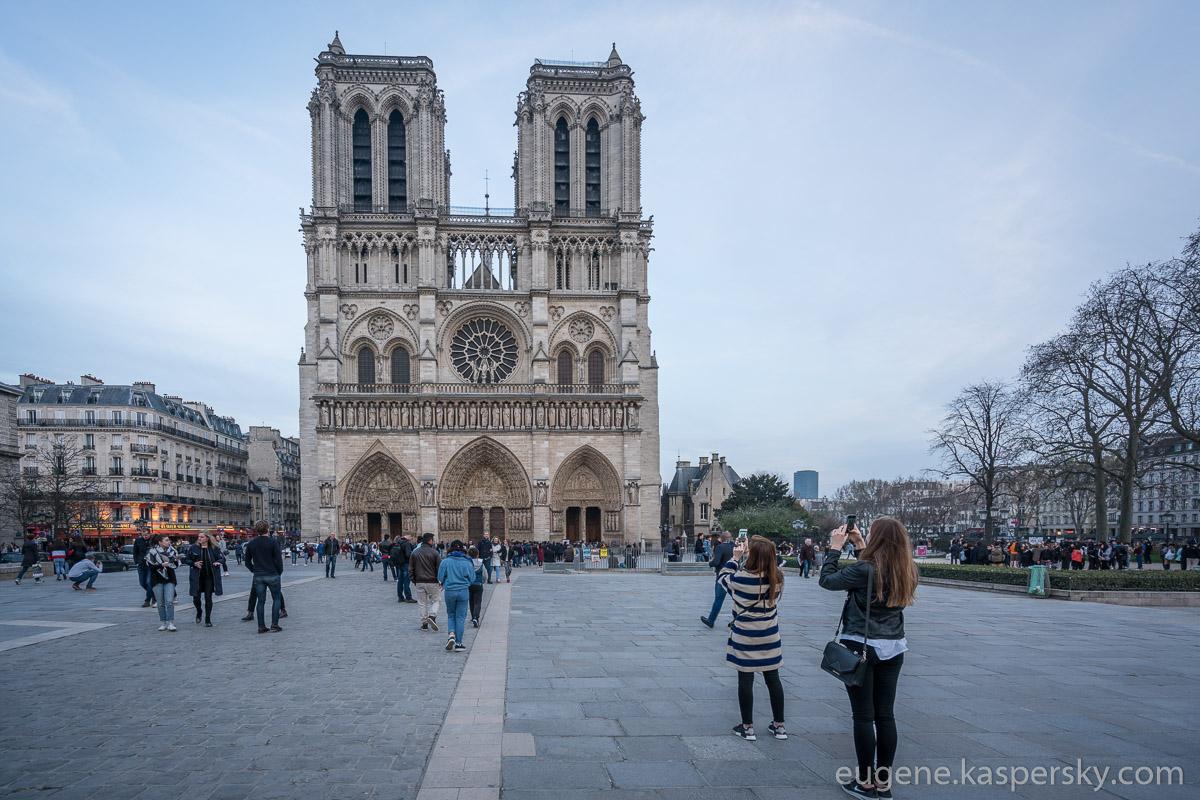 paris-france-eifel-tower-18