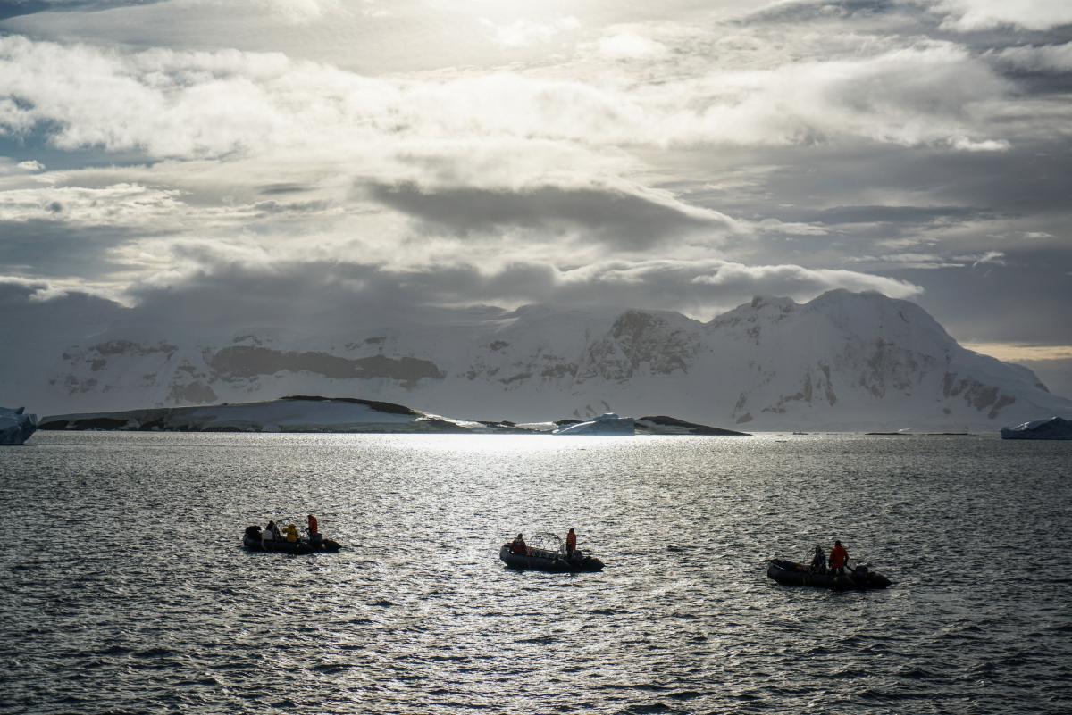 antarctic-biennale-contemporary-art-9
