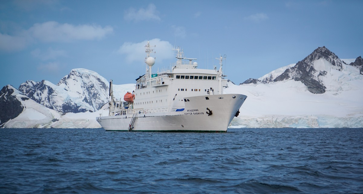 antarctica-sergey-vavilov-vessel-1
