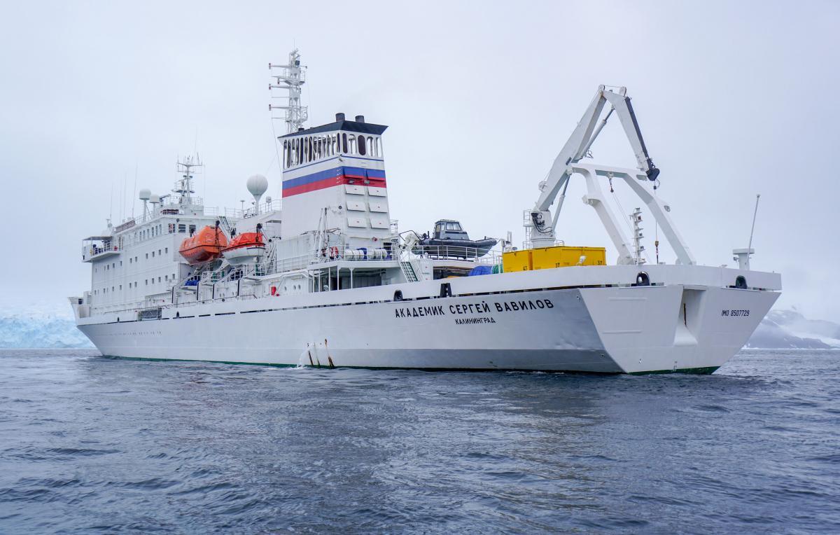 antarctica-sergey-vavilov-vessel-2