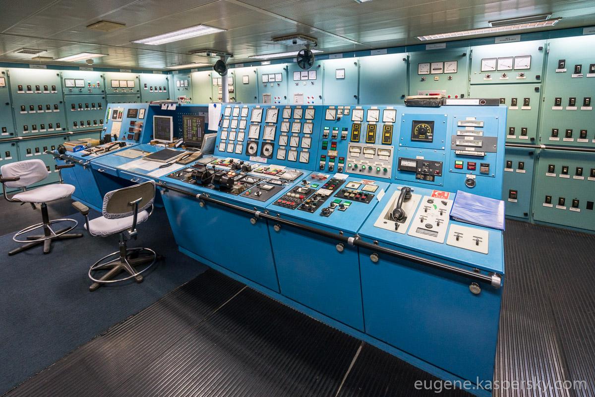 antarctica-sergey-vavilov-vessel-3