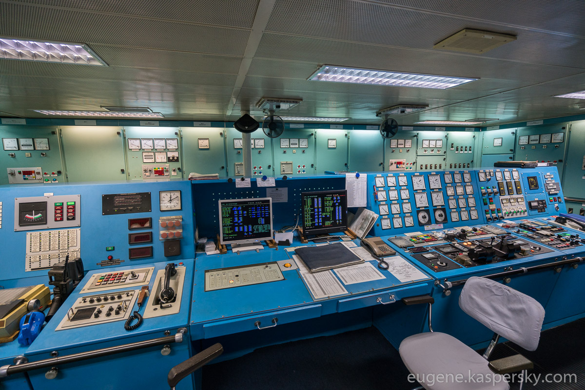 antarctica-sergey-vavilov-vessel-4
