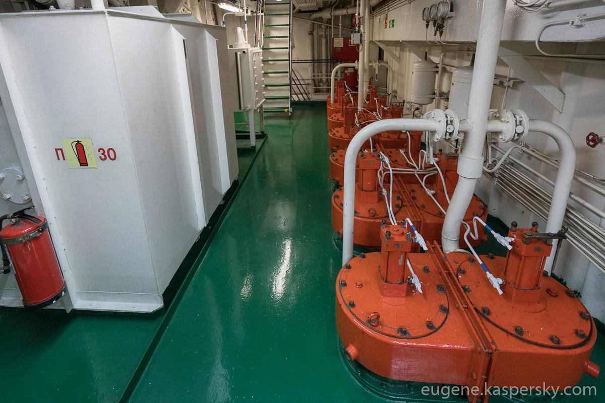 antarctica-sergey-vavilov-vessel-7