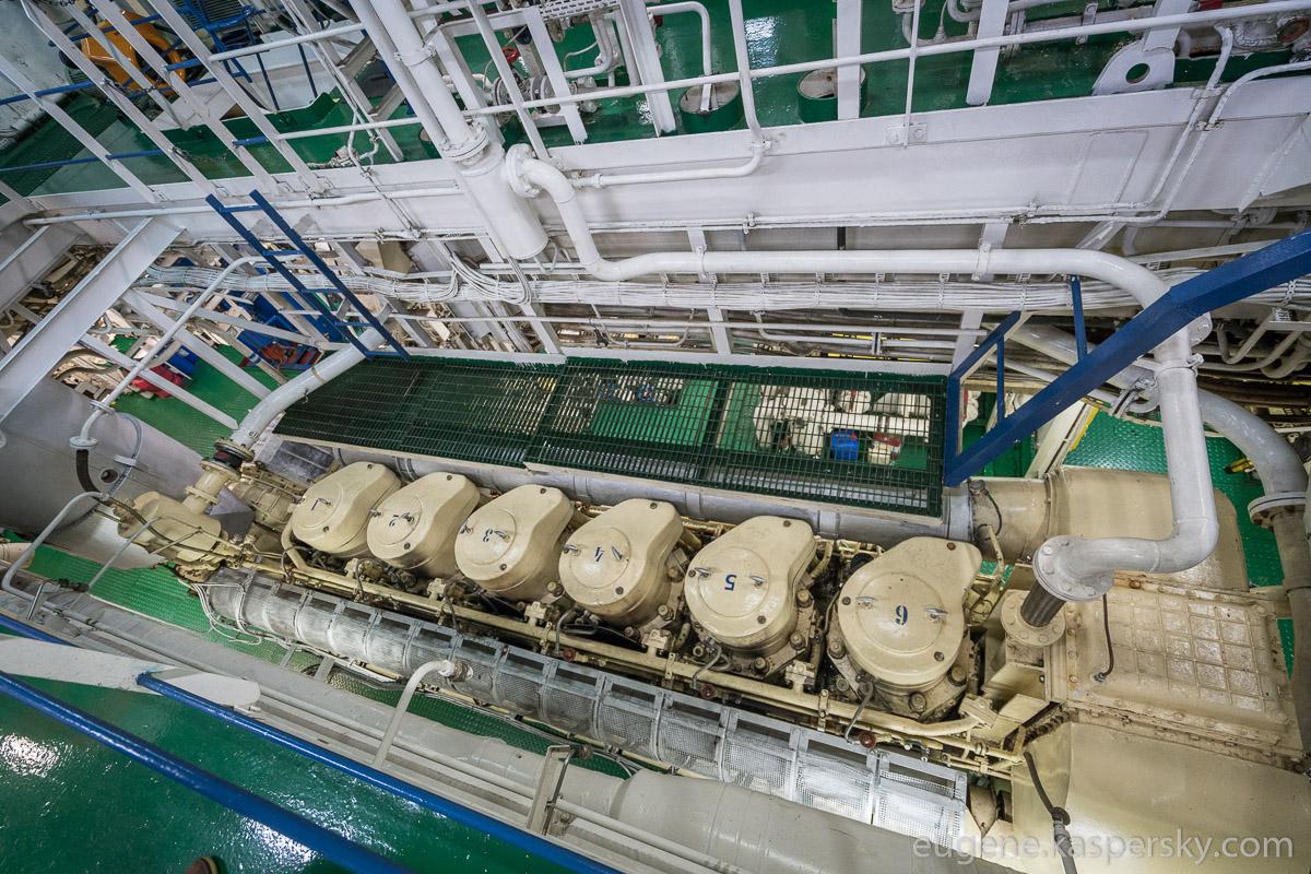 antarctica-sergey-vavilov-vessel-9