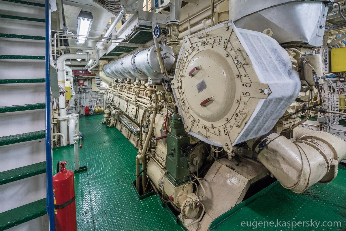 antarctica-sergey-vavilov-vessel-11