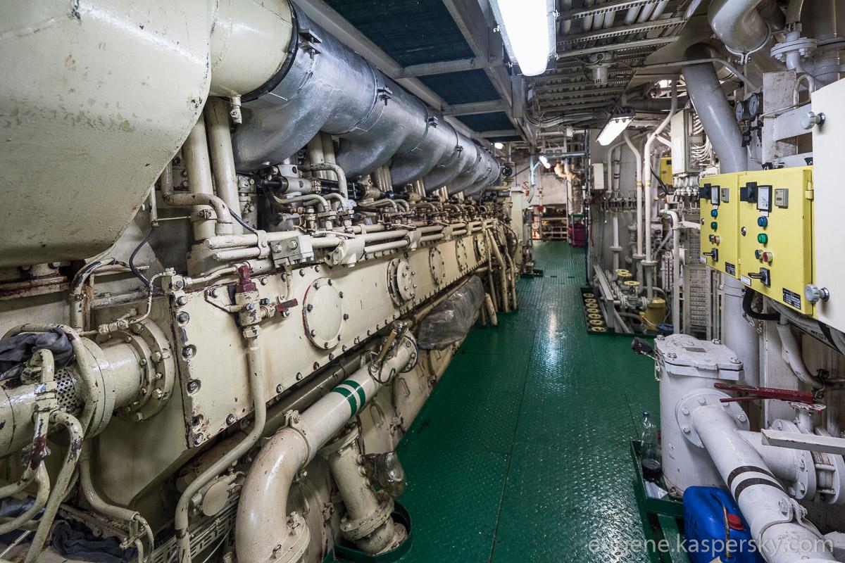antarctica-sergey-vavilov-vessel-14