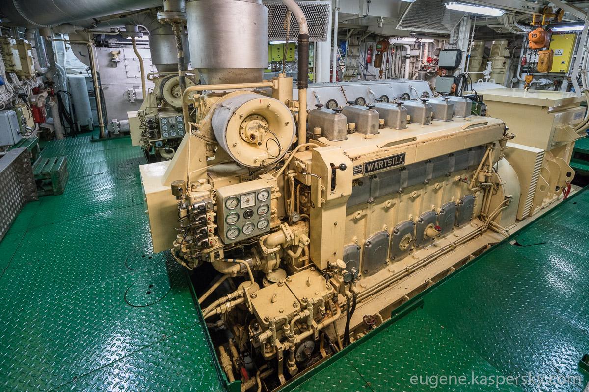 antarctica-sergey-vavilov-vessel-19