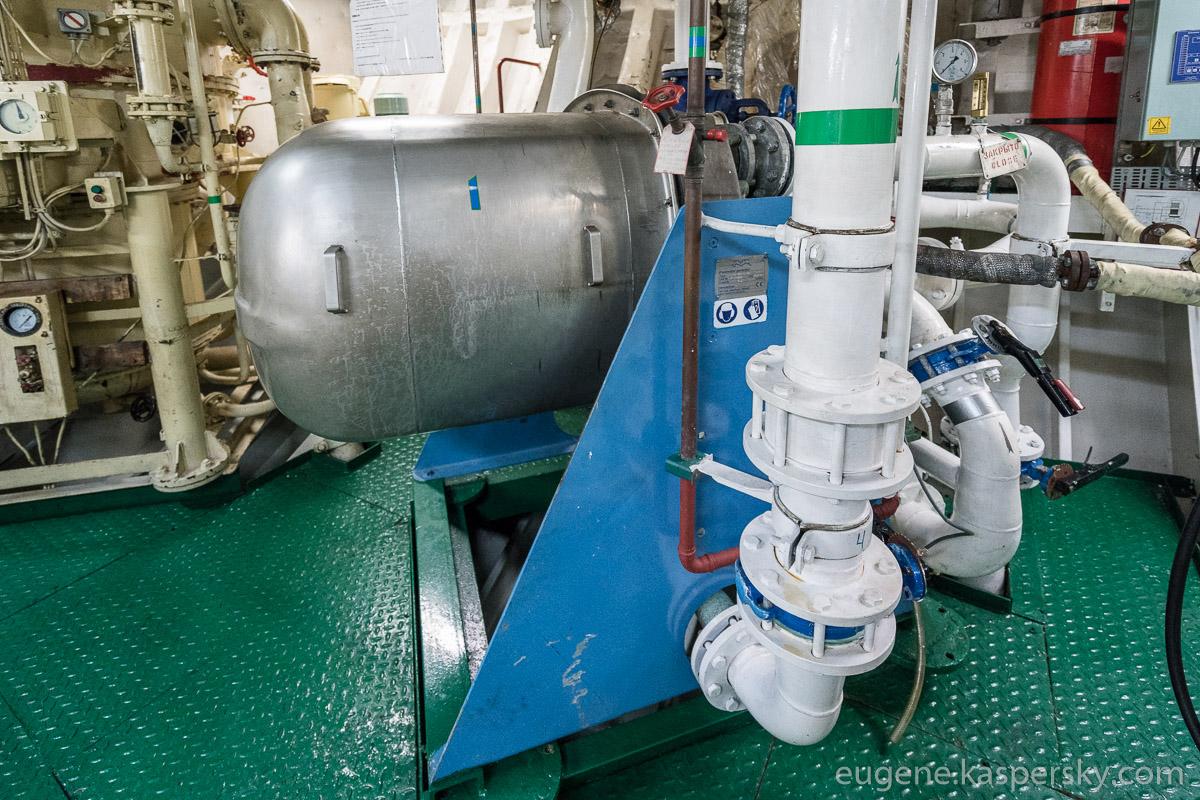 antarctica-sergey-vavilov-vessel-23