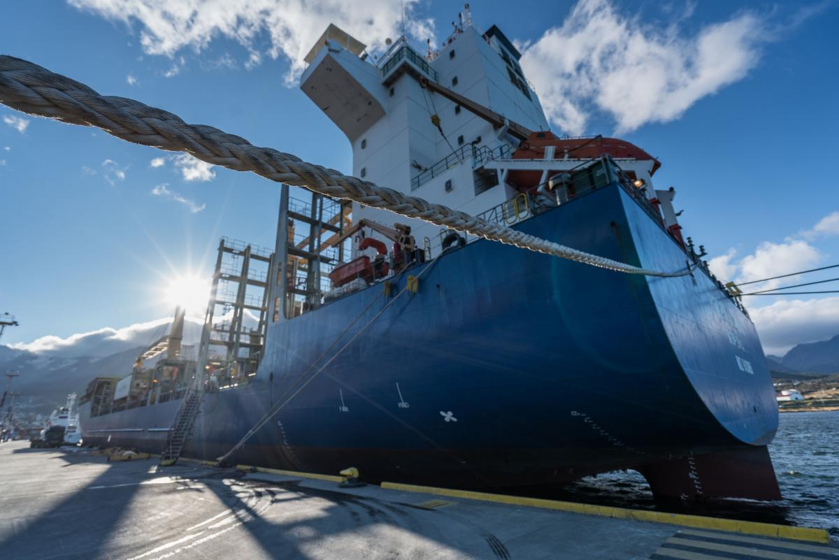 antarctica-sergey-vavilov-vessel-52