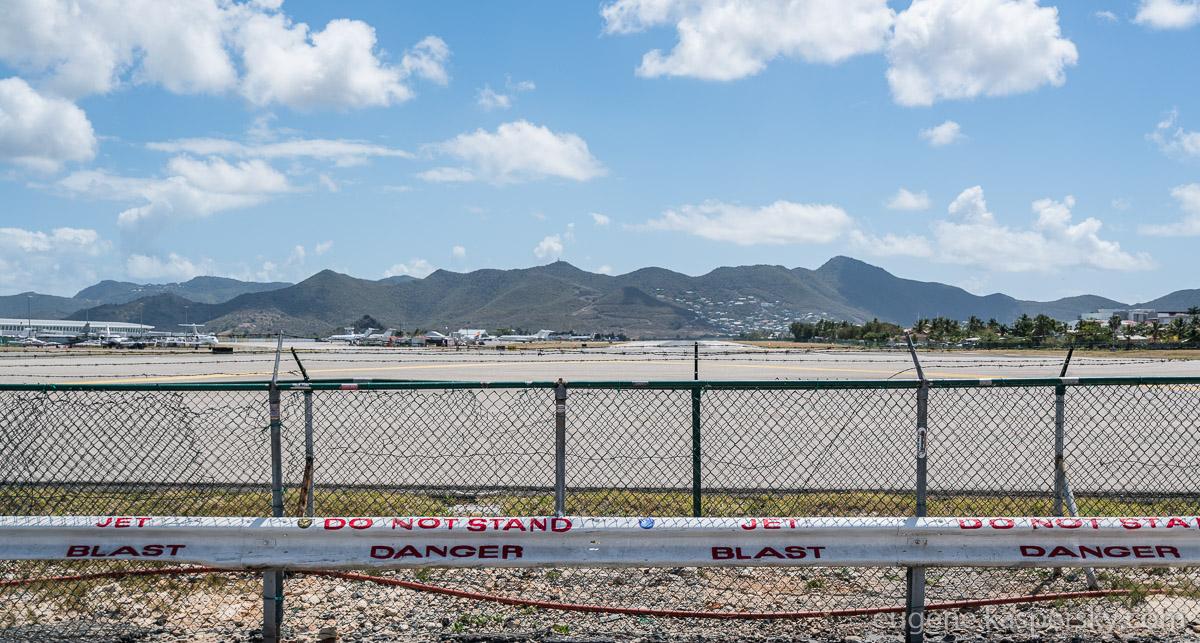 sint-maarten-runway-fun-3
