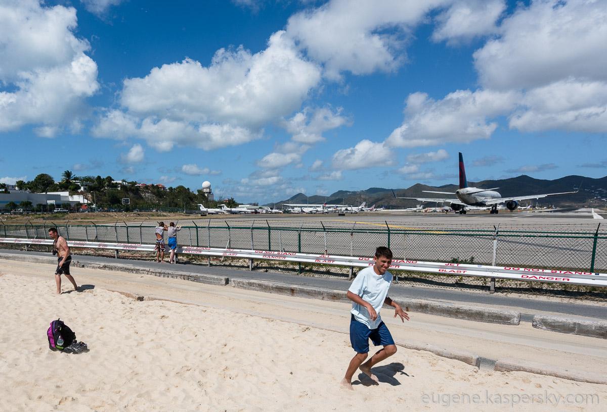 sint-maarten-runway-fun-17