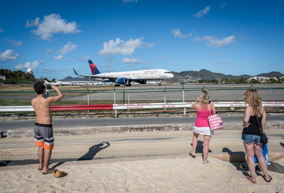 sint-maarten-runway-fun-18