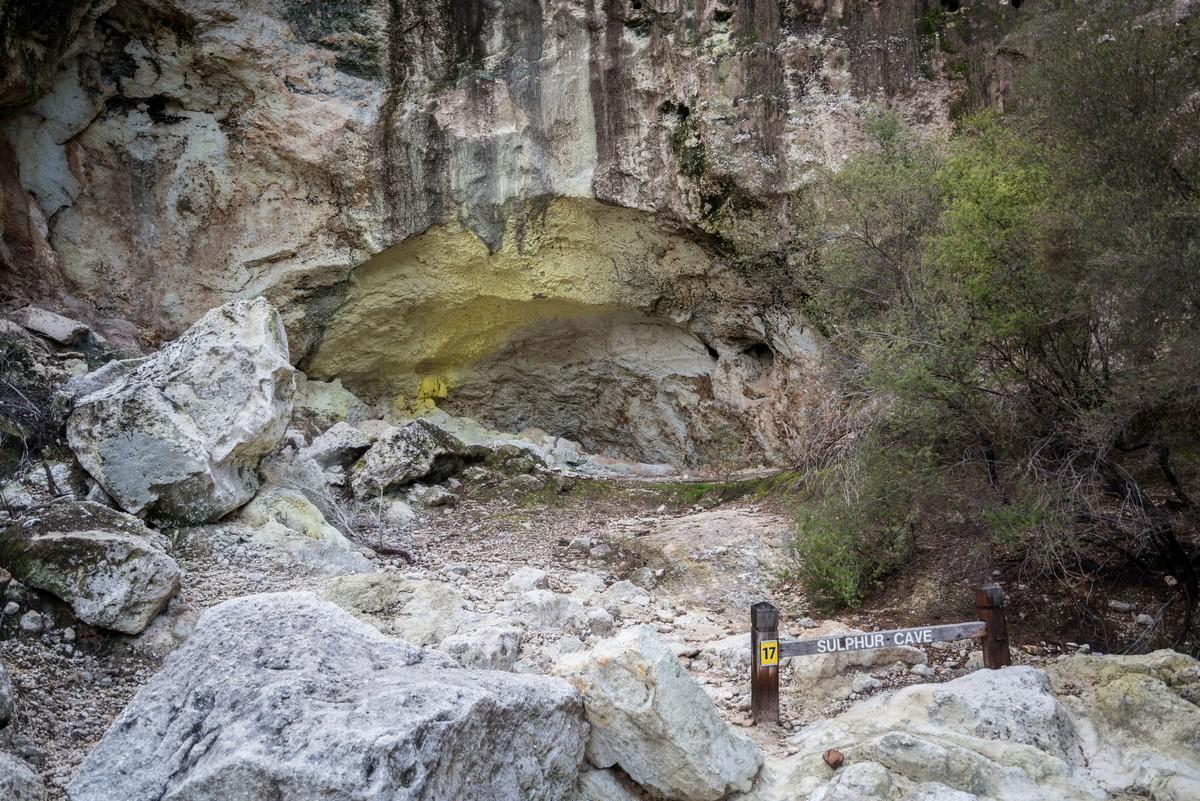 wai-o-tapu-new-zealand-volcanism-10