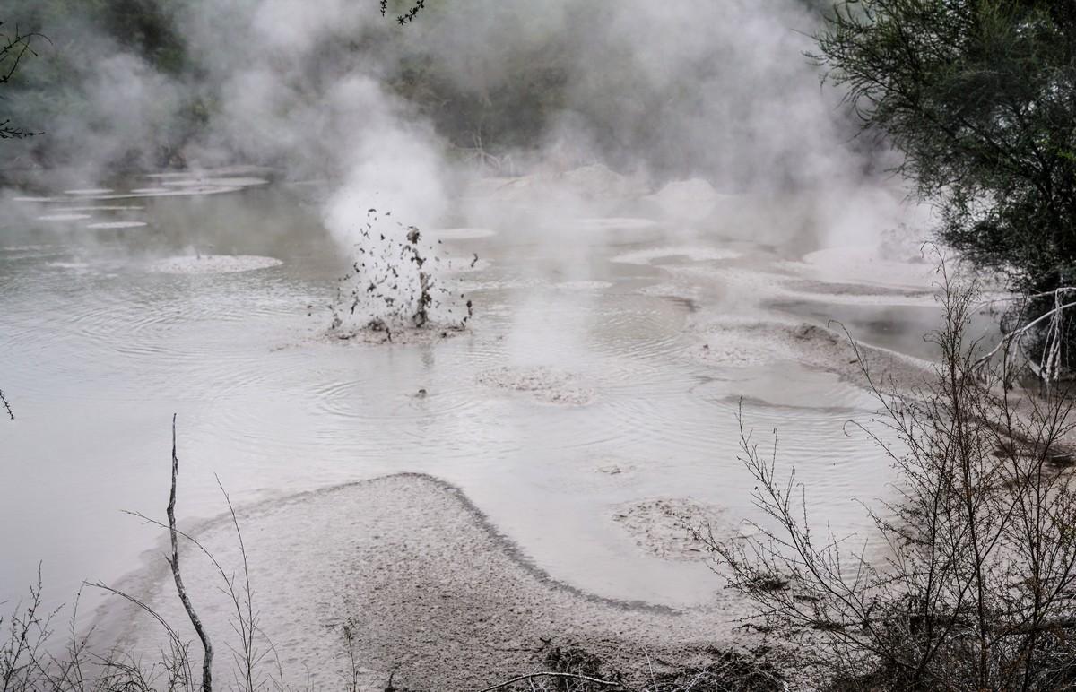 wai-o-tapu-new-zealand-volcanism-34