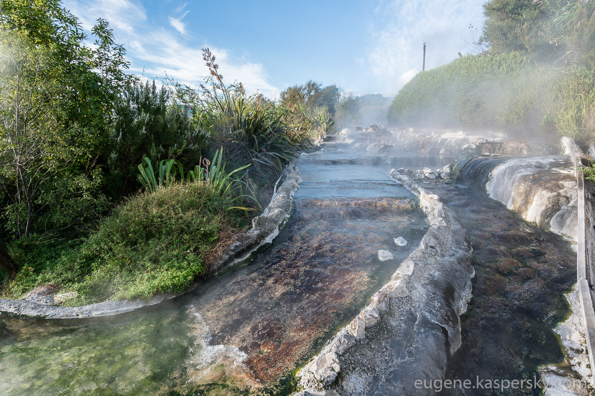 new-zealand-kerosene-creek-23