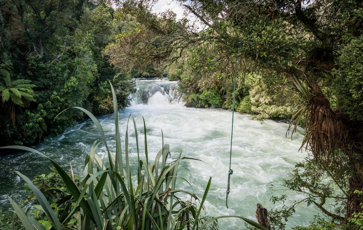 new-zealand-okere-falls-1