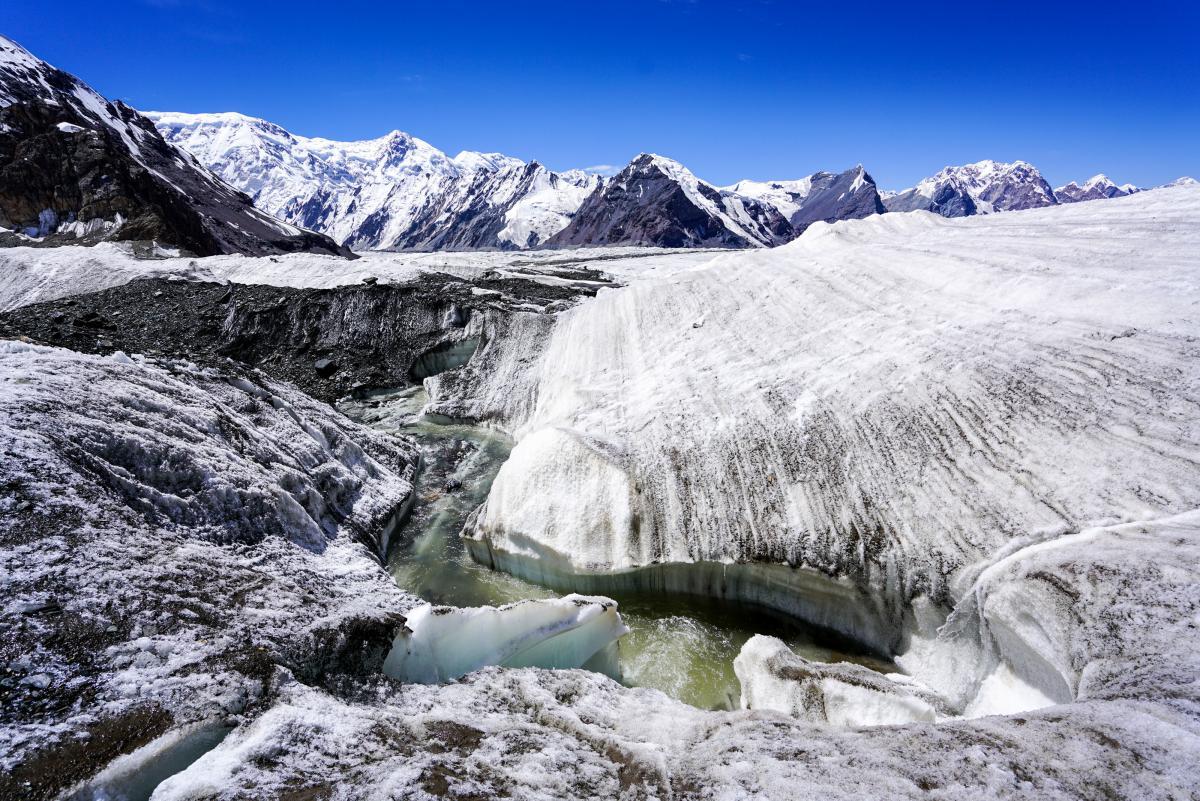 tian-shan-glaciers-46
