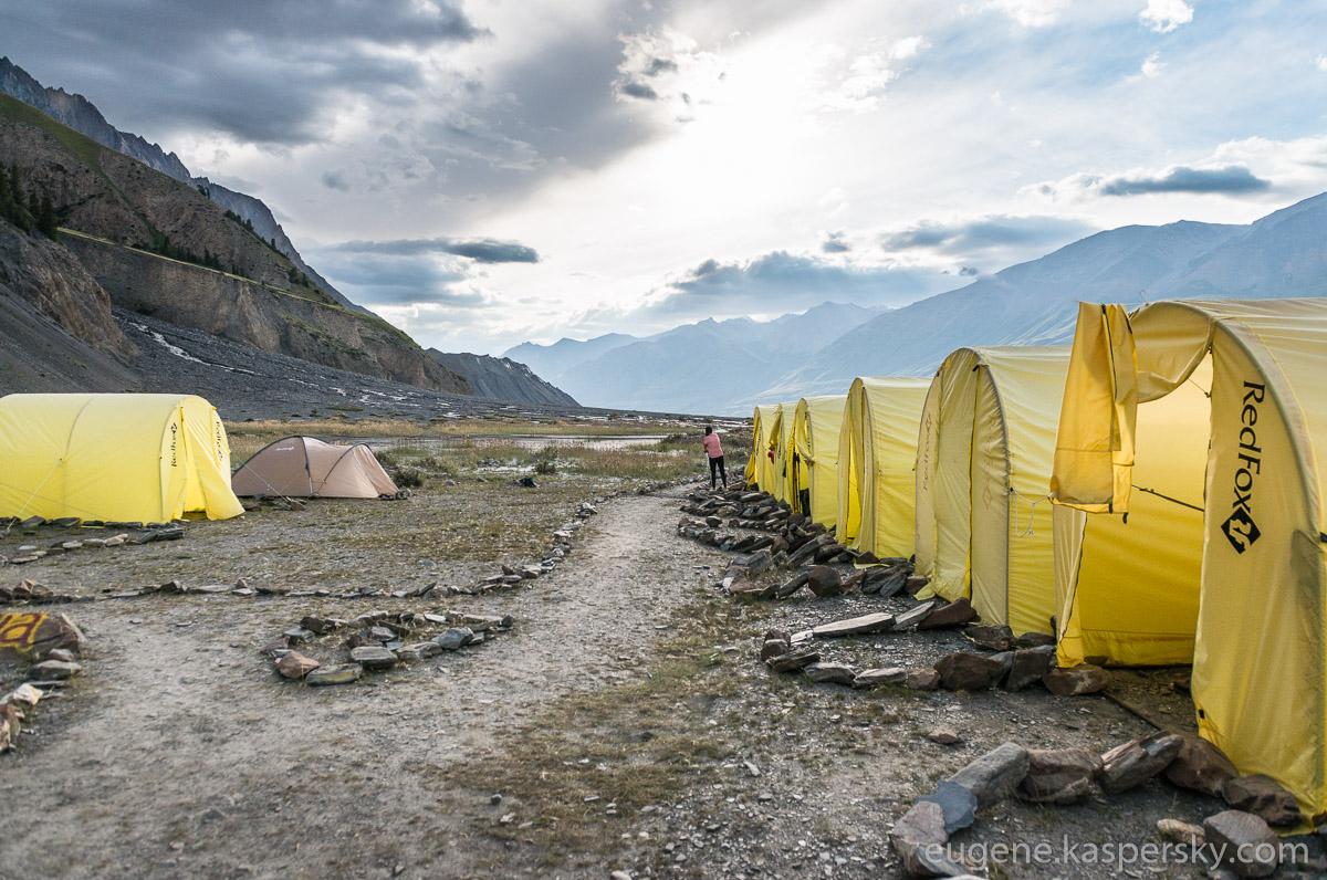 tian-shan-camps-6
