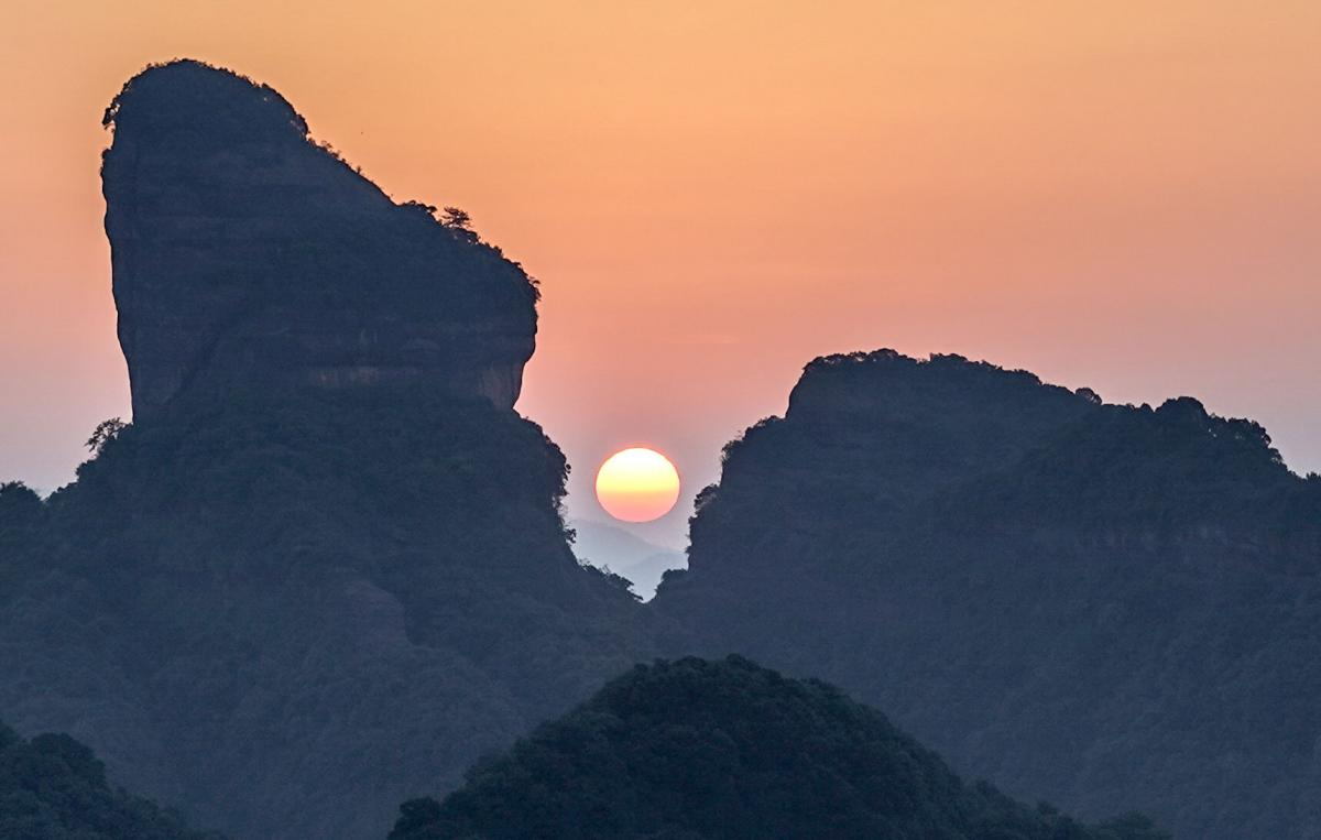 china-danxia-sunrise-1-6
