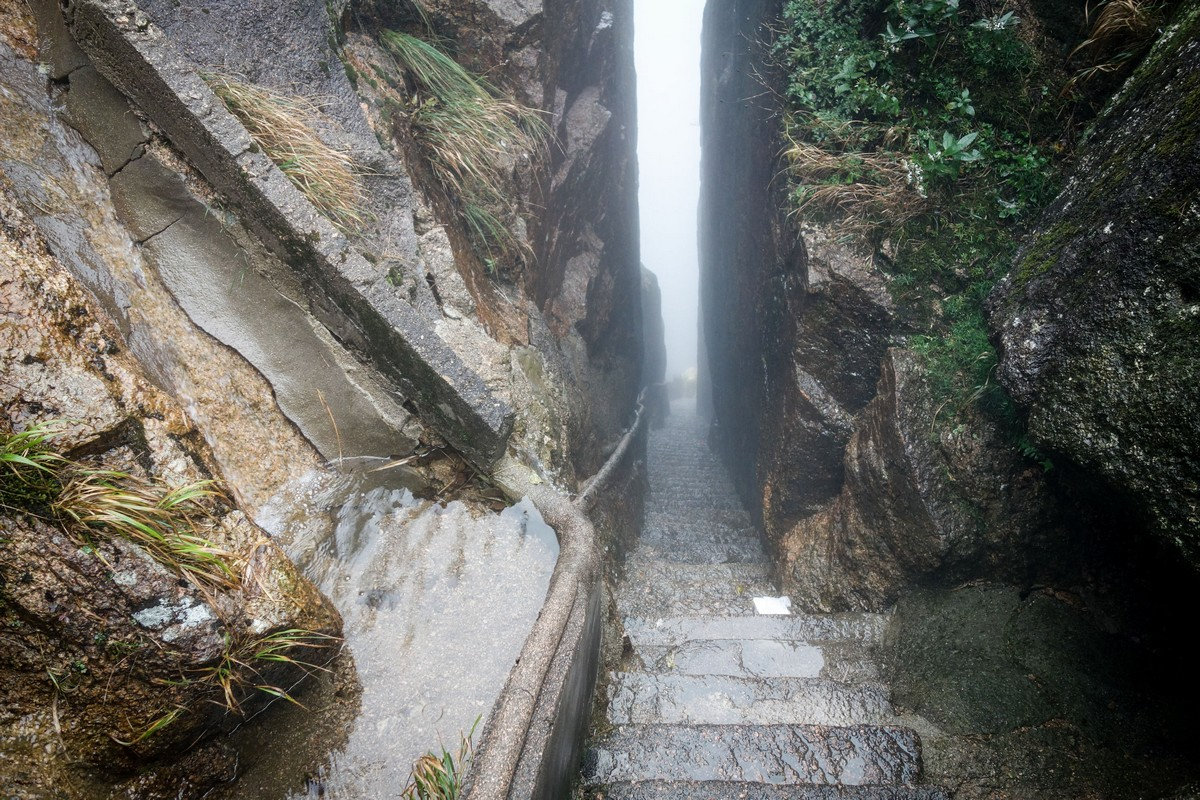 china-huangshan-grottos-81