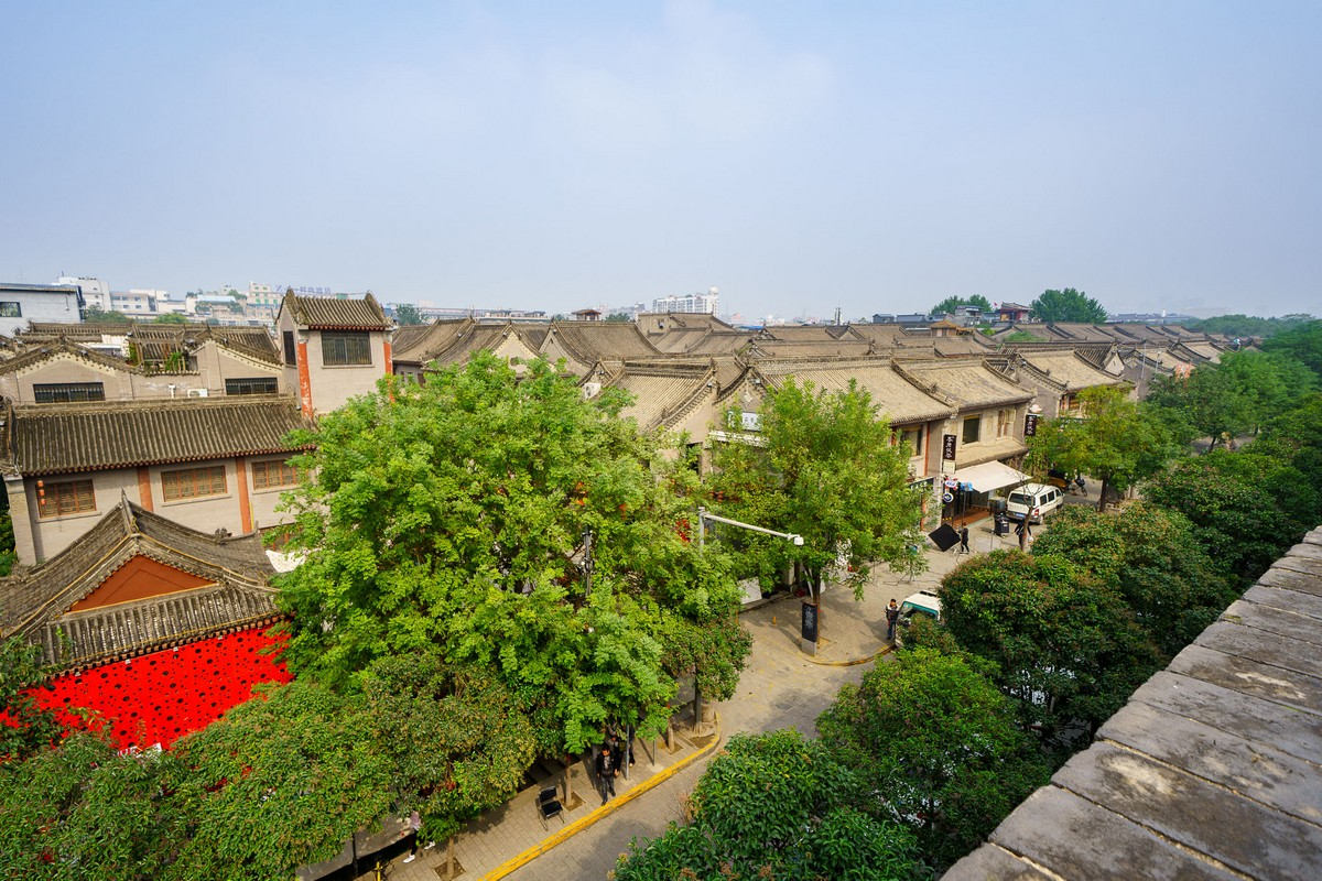 china-xian-city-wall-15