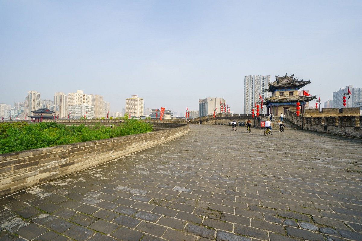 china-xian-city-wall-25