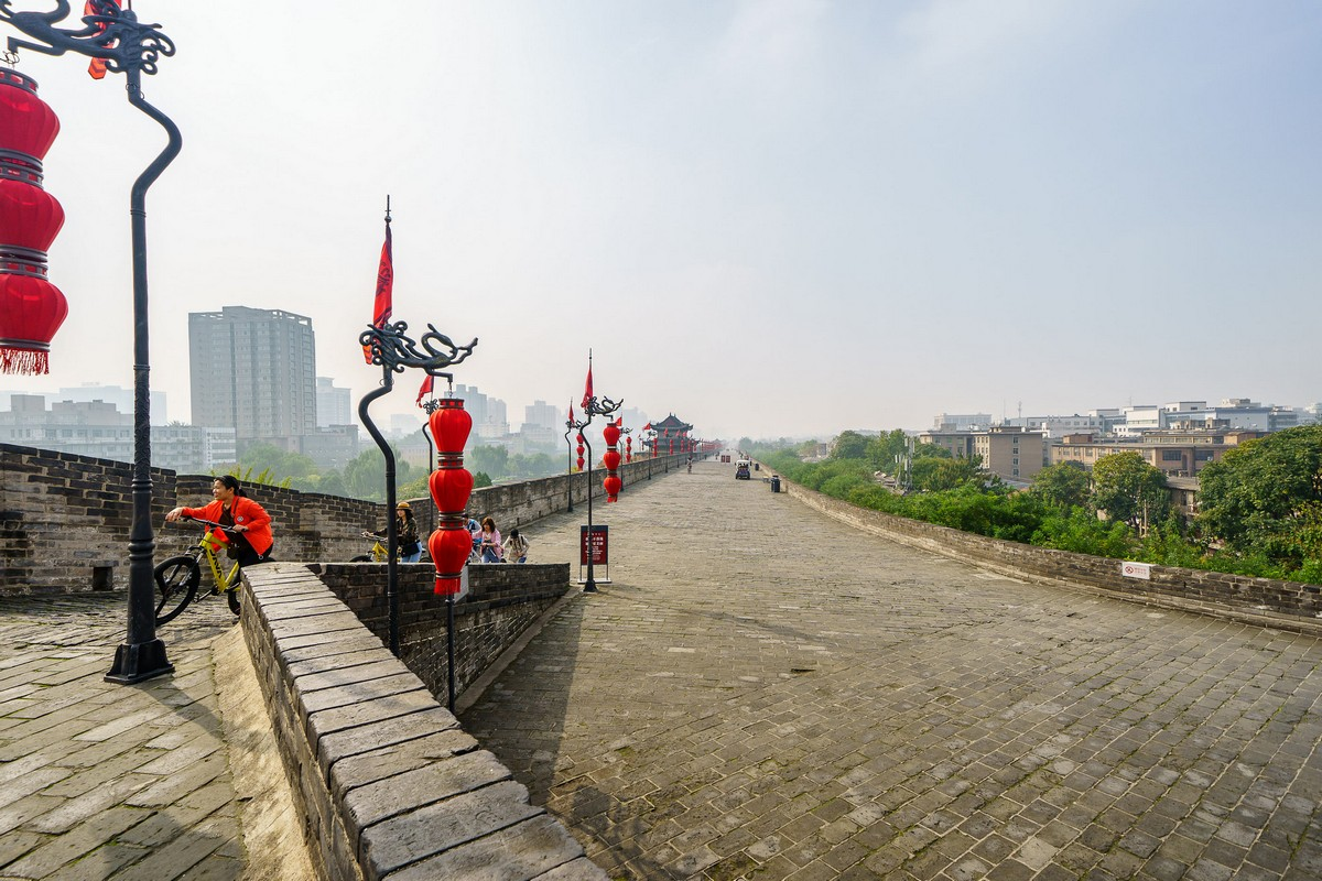 china-xian-city-wall-27
