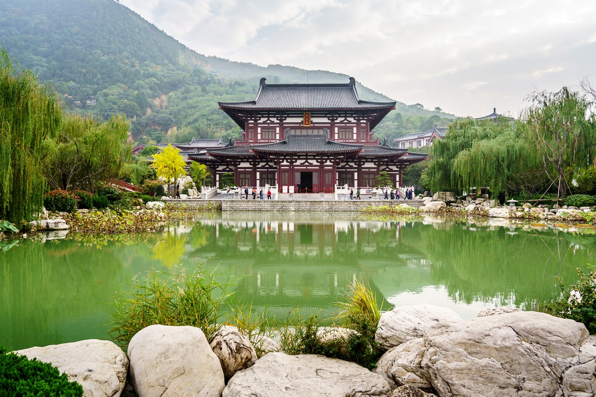 china-huaqing-pool-hot-springs-xian-1
