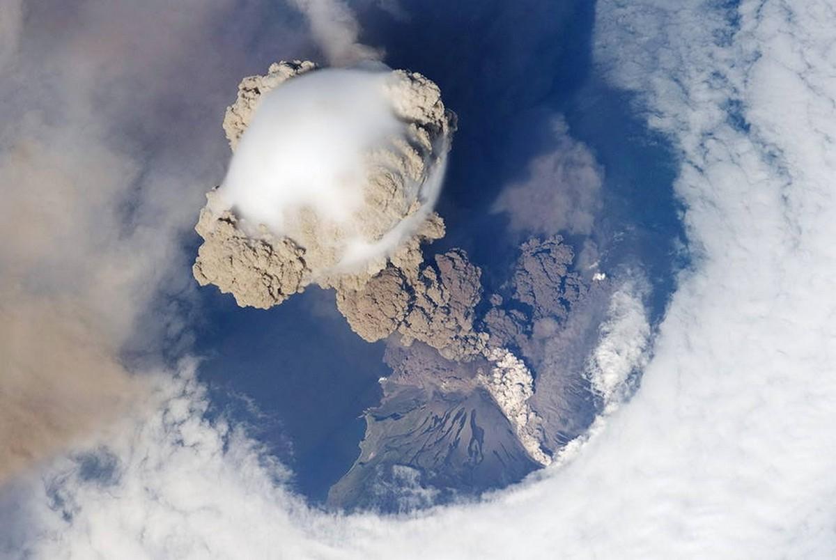why_volcanoes-34